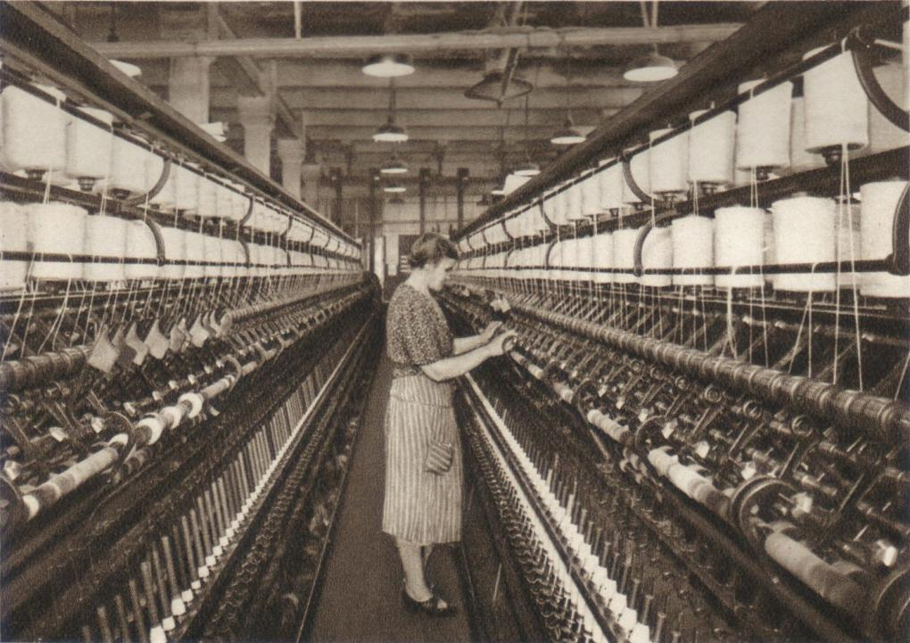 Ring spinning machine in the 1920s