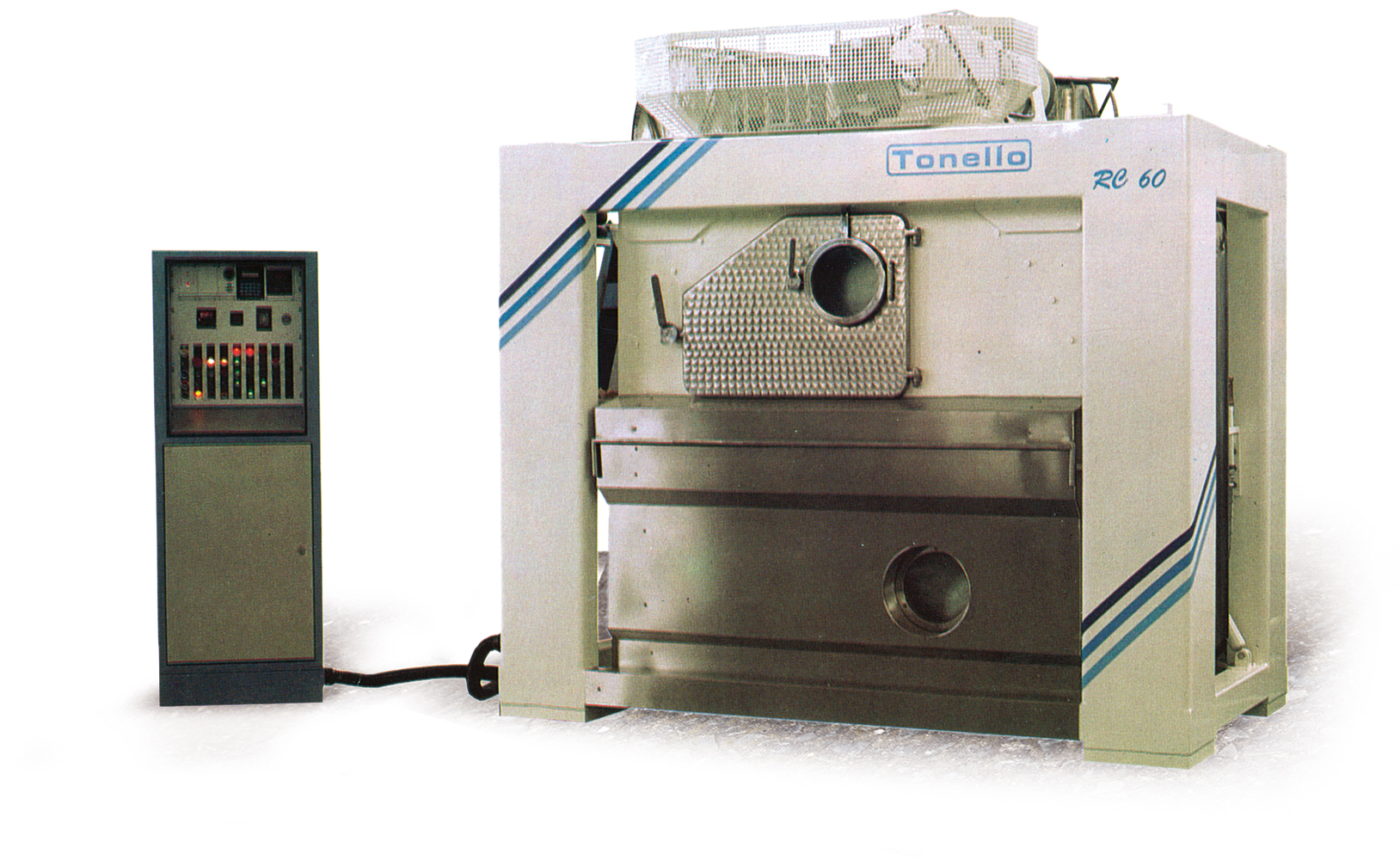 Tonello pre-washed jeans first laundry washing machine RC 60-120. © 2017 Tonello - All Rights Reserved.