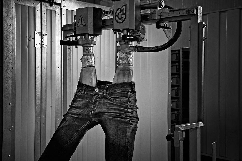 Tonello pre-washed jeans spray