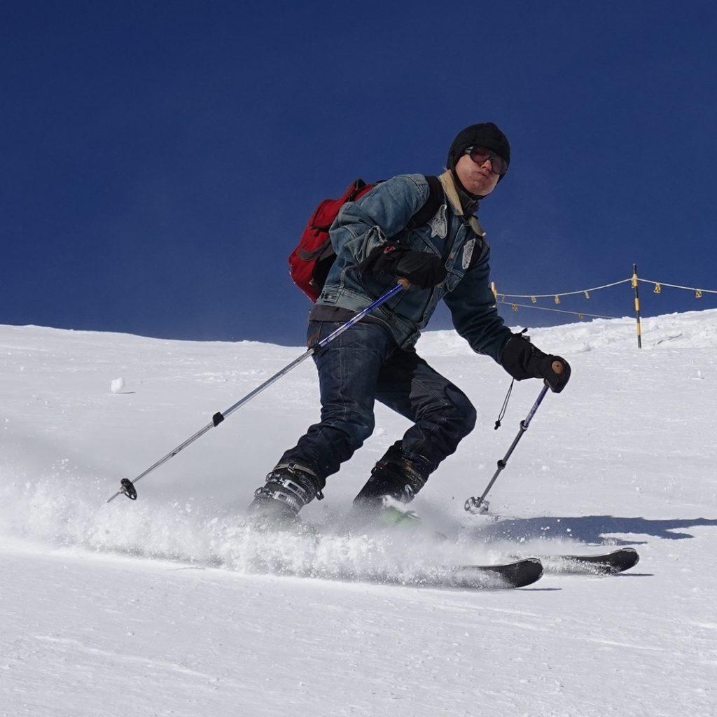 Blue Blooded, Instagrammer, swissjeansfreak, Ruedi Karrer, Denimhunters, raw denim evolution, skiing in denim,