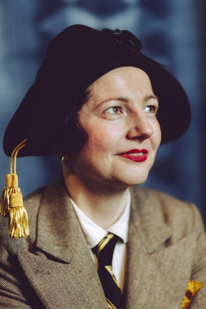 Blue Blooded portfolio, female portrait, lady with hat